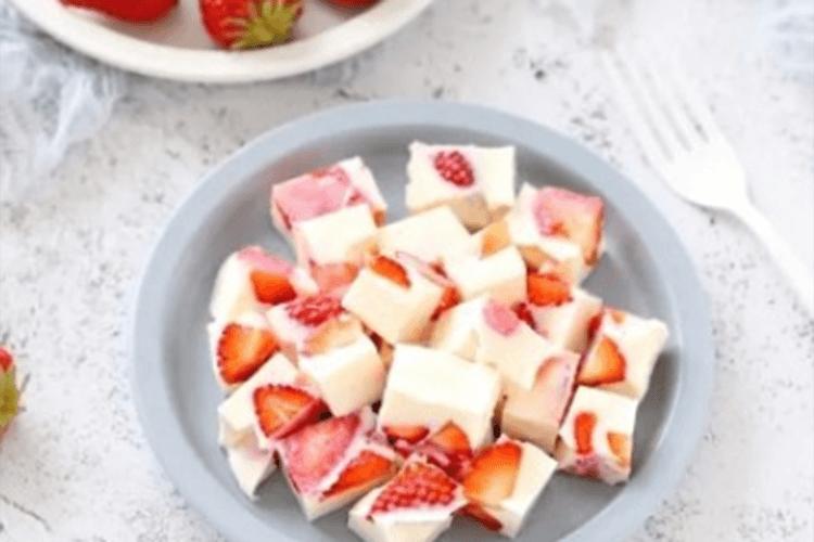 怎么做草莓牛奶布丁