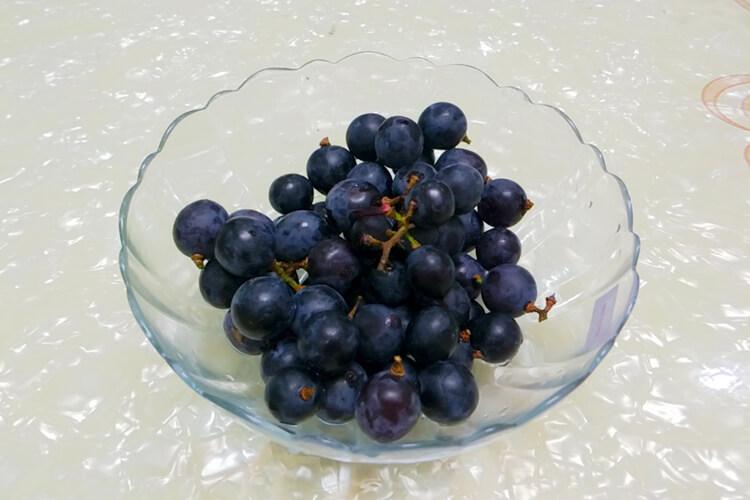 特别喜欢吃葡萄,最贵的葡萄是什么品种日本有吗?