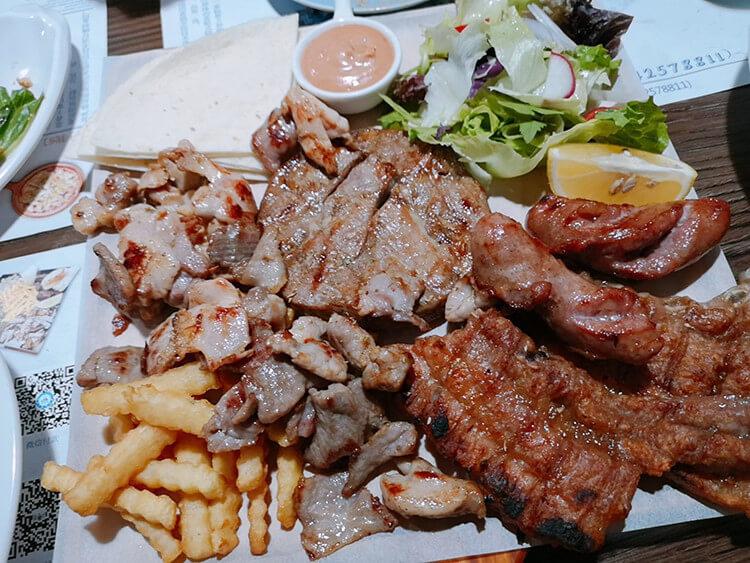 价值三百多的烤肉套餐用228元,分量足够三个人吃到撑!