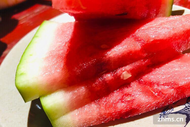 西瓜要怎么选才又甜又红