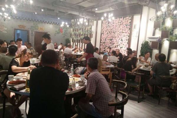 解放碑洞子老火锅分享——火锅店长久运营的关键