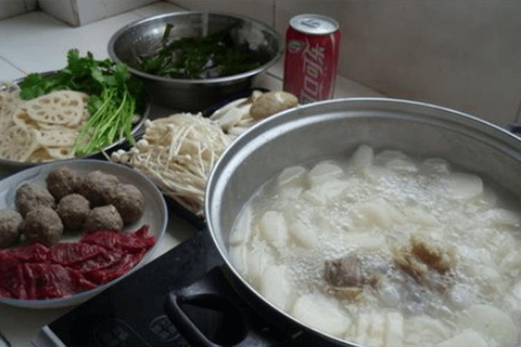 超级简单的牛肉火锅做法