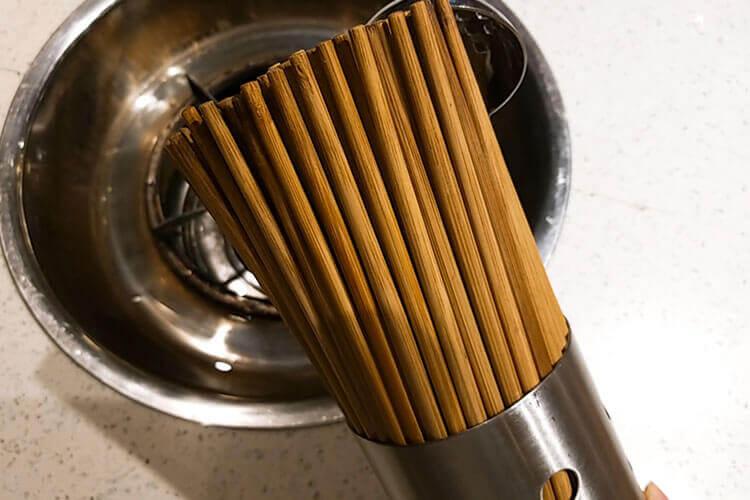 我爸妈买了一大堆牦牛骨筷子,牦牛骨筷子好处是什么?