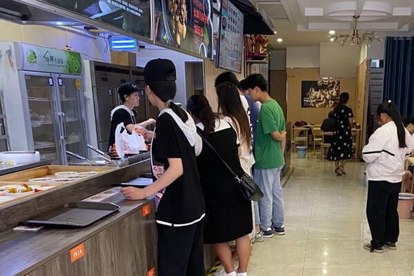 中式快餐加盟店必备4个经营知识