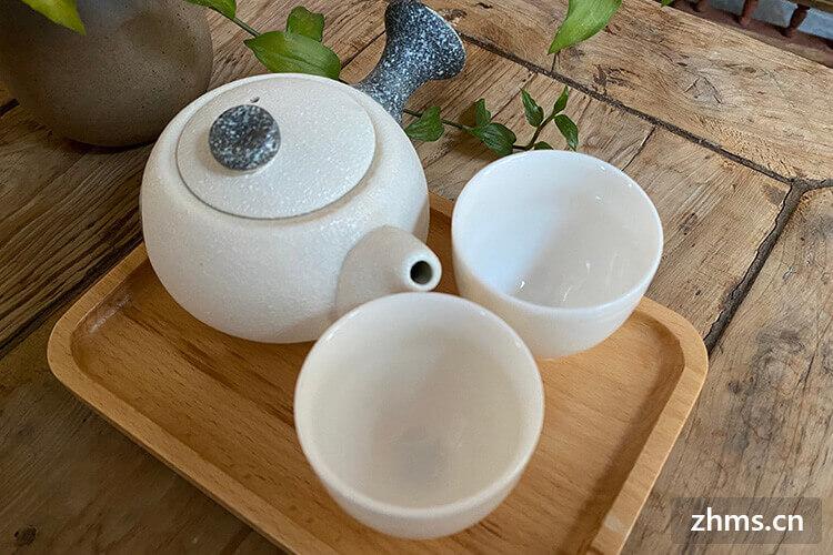 如何去茶壶里的茶垢