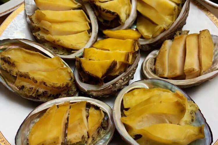 买了几只鲍鱼,家常鲍鱼炖汤怎么做好吃?