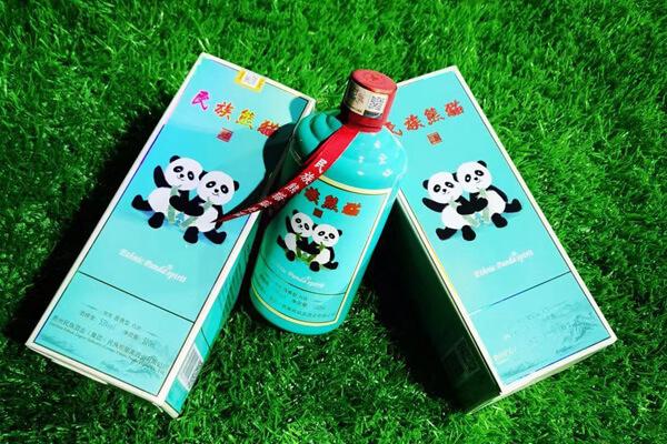 民族熊猫美酒图3
