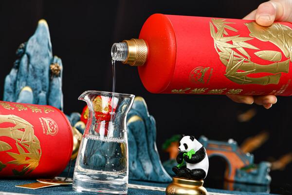 民族熊猫美酒图2