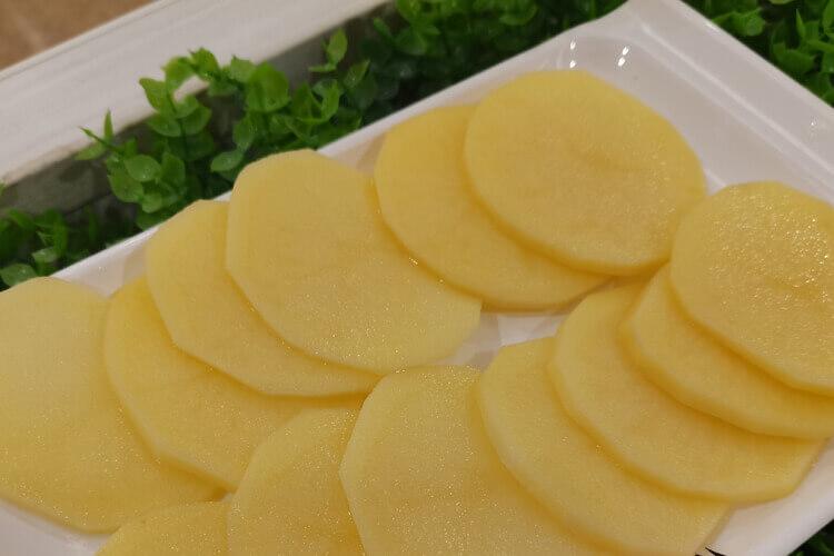 昨天买了土豆,今天准备做菜吃,请问土豆丝打汤怎样做好吃呢?