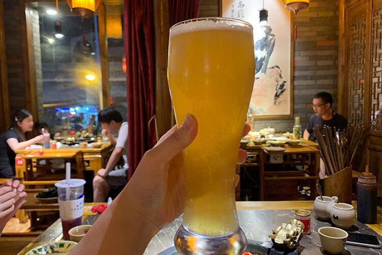 朋友让我去买四升啤酒,请问四升啤酒是多少瓶呢?