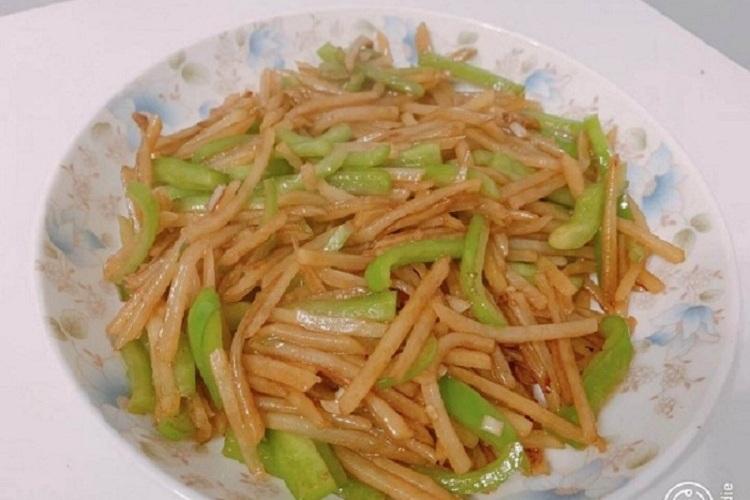 青椒土豆丝,小朋友们都爱吃