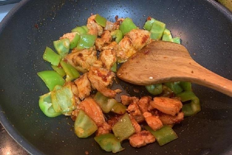 方便好吃的青椒回锅肉