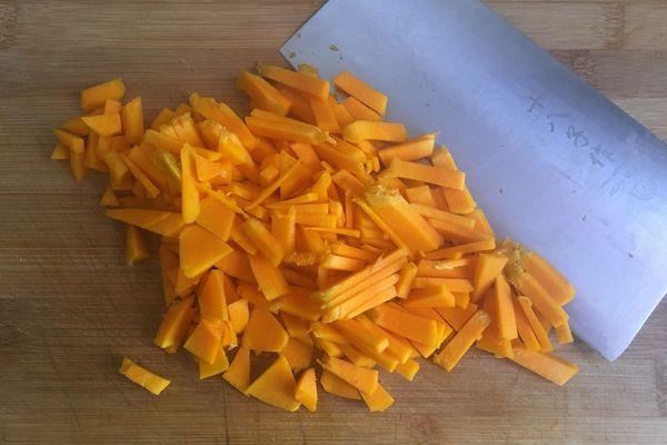 簡單又營養的小米南瓜粥,趕快做起來吧!第五步