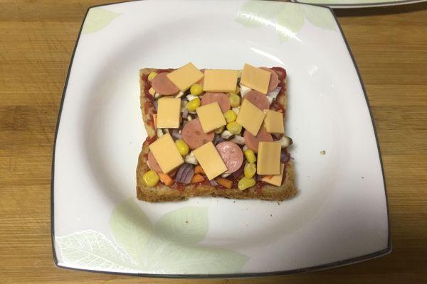用微波爐在家也能做美味的土司披薩!第七步