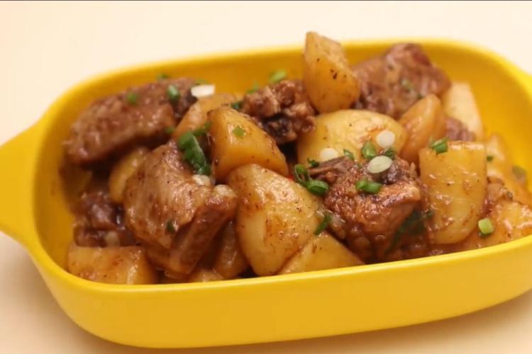 怎么做排骨炖土豆更好吃
