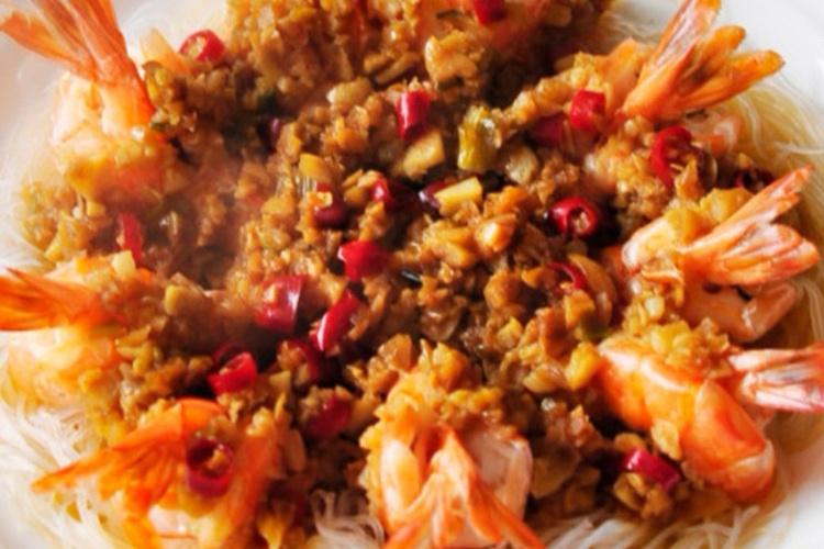 鲜嫩肥美的虾就要做成蒜蓉粉丝虾吃