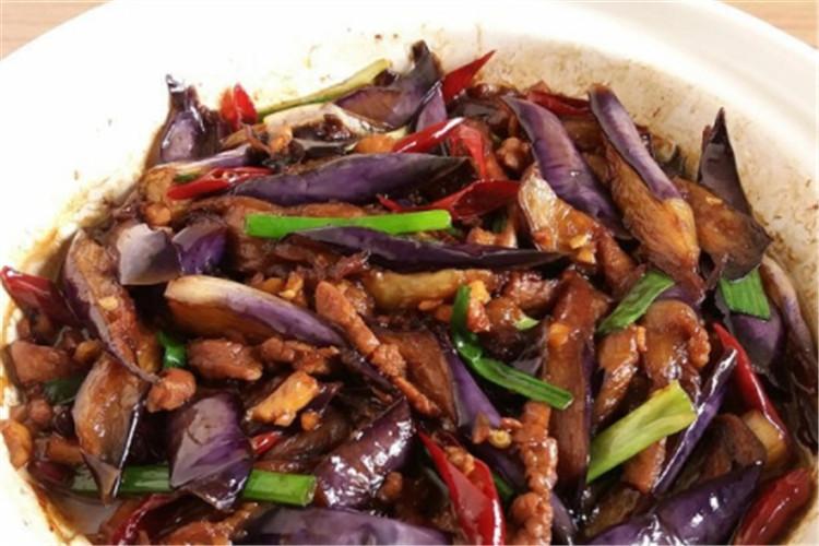 咸鱼茄子煲味道真是顶呱呱,难怪广东人都爱吃