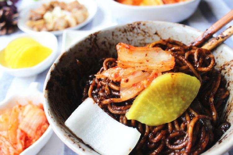 韩国炸酱面,完美还原韩剧吃面场景