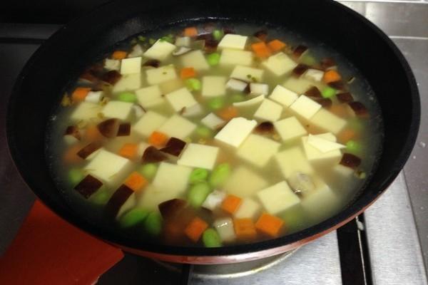 鲜嫩有味绝美的鸡蛋豆腐四鲜羹第十四步