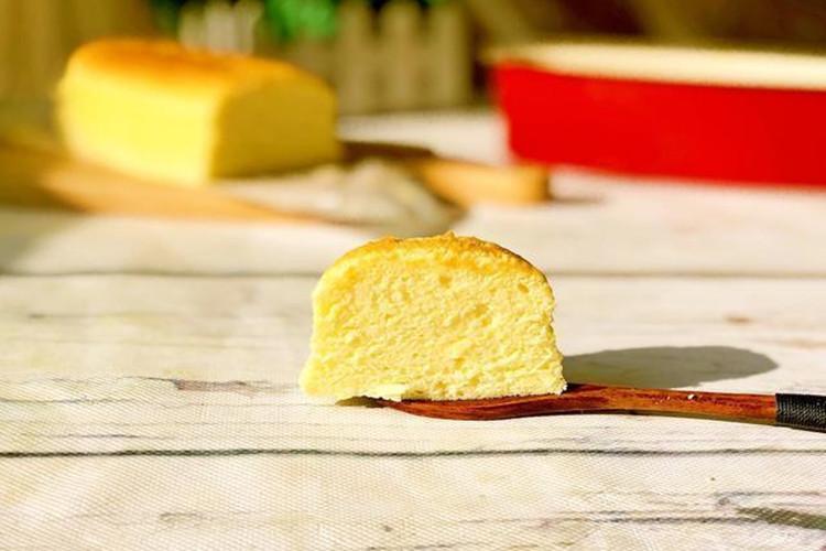 轻轻松松的在家做轻乳酪蛋糕的做法来啦