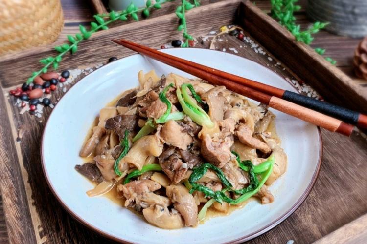 蘑菇炒肉,香香软软好滋味