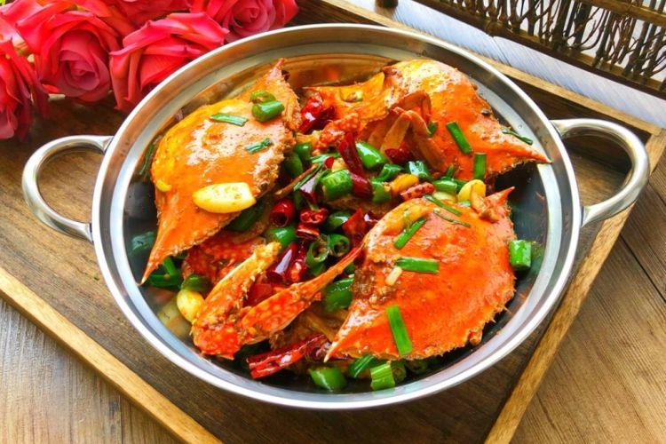 像画一样美丽的菜肴,爆炒香辣蟹