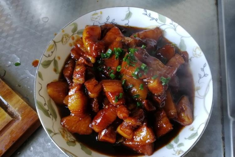 土豆与肉的完美邂逅——土豆烧肉
