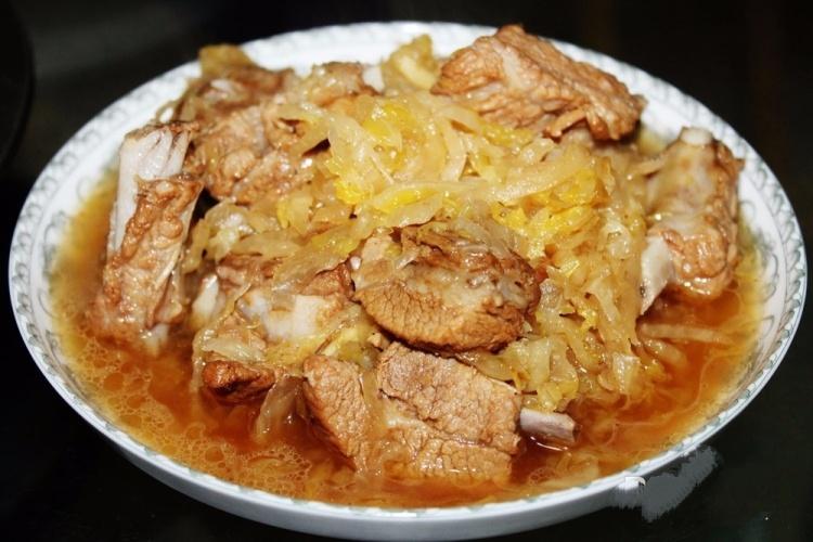 老东北酸菜炖排骨,离家的人最思念的味道