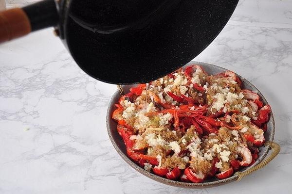 靓靓蒸虾——夏天一定要吃的小龙虾第八步