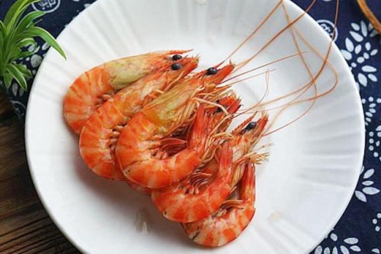 醉虾:用红酒泡出来的虾味道更加鲜美