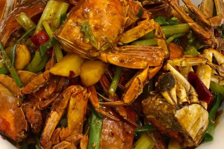 家常香辣蟹做起来超简单,成品回味无穷