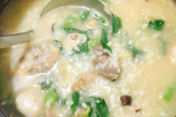 这道潮汕砂锅粥,大人小孩都喜欢第九步
