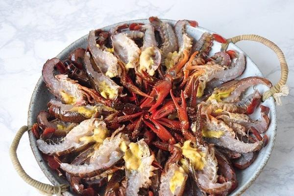 靓靓蒸虾——夏天一定要吃的小龙虾第五步