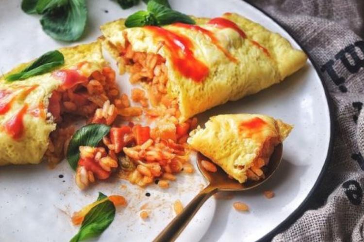 鸡蛋与番茄酱的碰撞番茄蛋包饭