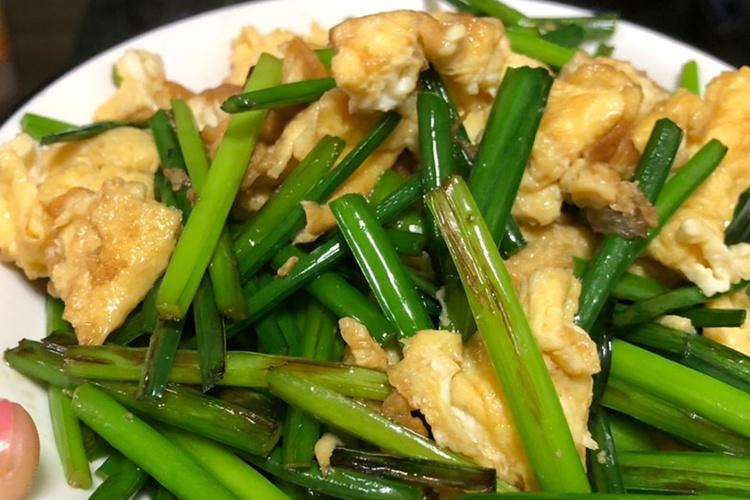 韭菜花炒鸡蛋,超级简单,并且上手极快