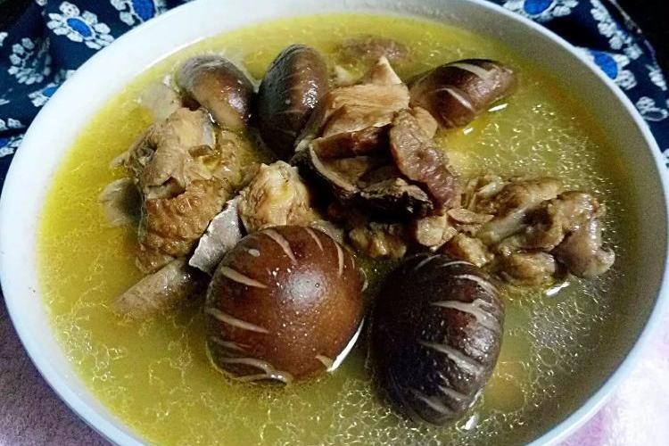 营养美味的香菇鸡汤,做法很简单