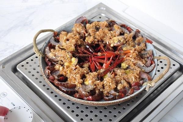 靓靓蒸虾——夏天一定要吃的小龙虾第六步