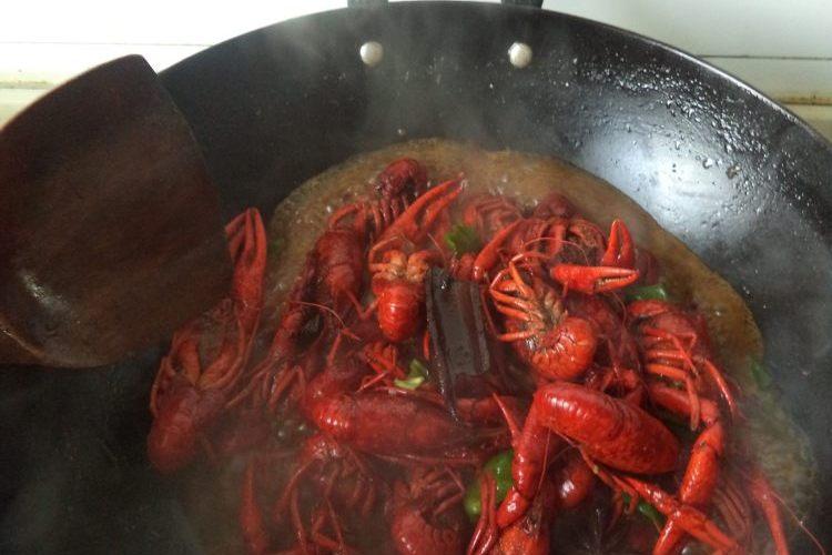 在家也能做自己喜欢的家常香辣小龙虾
