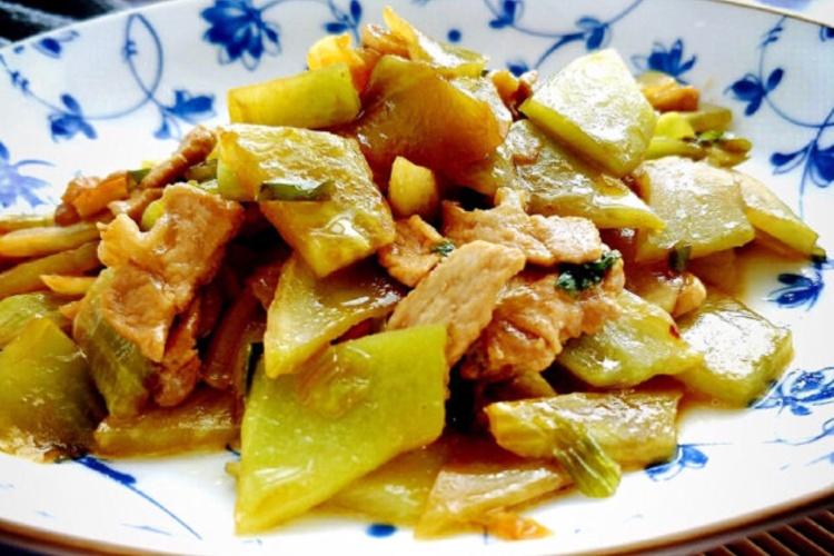 必学的家常小炒菜:莴笋炒肉