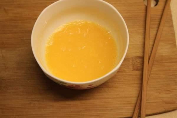 家常鸡蛋羹,嫩嫩滑滑似补丁,营养又美味第三步