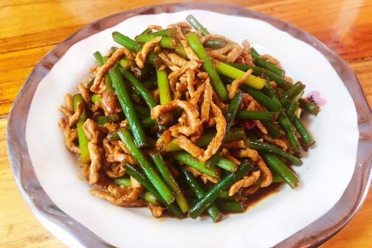 家常下饭菜,蒜苔炒肉丝