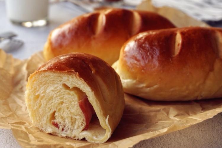 肉桂培根芝士面包卷,芝士片溶入面包里,香气浓郁
