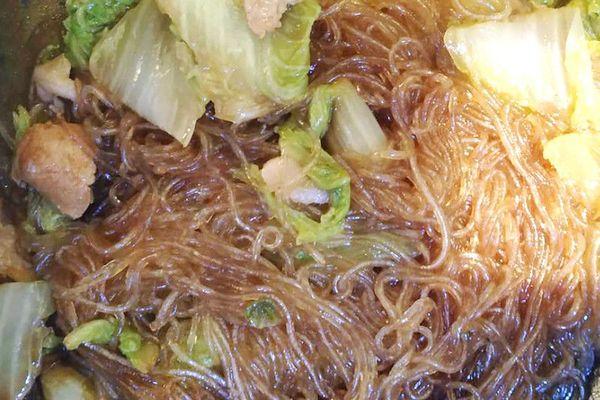 东北家常菜之猪肉白菜炖粉条,带你感受东北浓厚的乡土气息第十一步