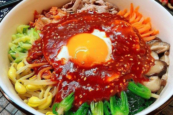 又甜又辣的韩国拌饭,只要酱汁到位,灵魂马上就位第十四步