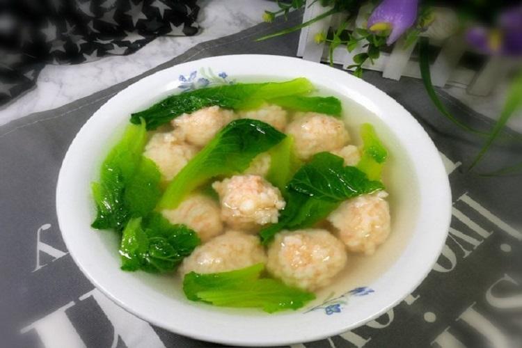 小白菜丸子汤,鲜香美味,营养满分