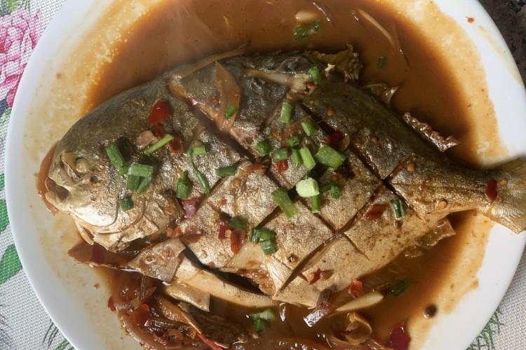 特制红烧平鱼,鲜香味美,入口即化