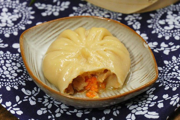 """灌汤包中的""""爱马仕""""——蟹黄汤包"""