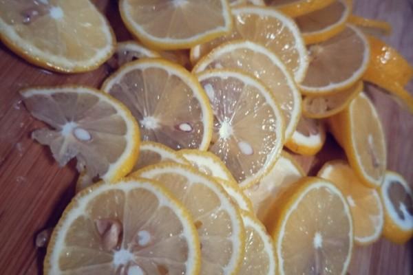 柠檬百香果排毒养颜茶,做你夏日的最佳饮品第三步