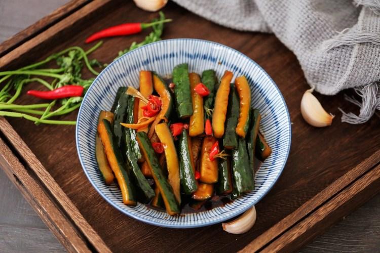 家常必备小菜:腌黄瓜咸菜