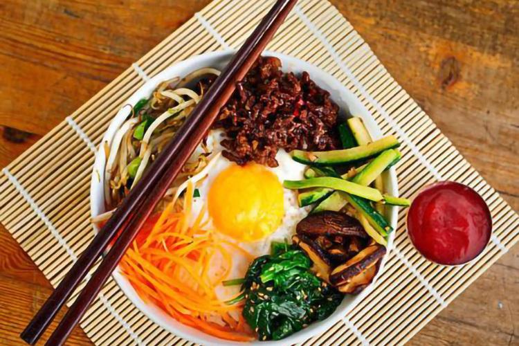 韩国料理之石锅拌饭,为你带来原汁原味的美食体验